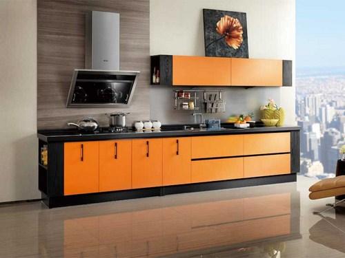 tủ bếp màu cam vàng sang trọng