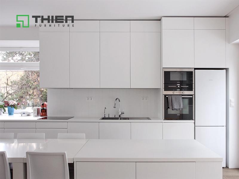 Tủ bếp laminate màu trắng sần